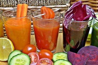 Wakacyjne przepisy na koktajle: smoothie, koktajle warzywne, koktajle owocowe, koktajle odchudzajace