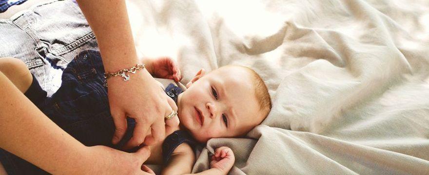 Wysypka u niemowlaka: co ją może powodować?