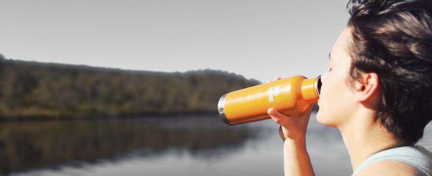 Nadmiar wody w organizmie - Dietetyk radzi jak temu zapobiegać!